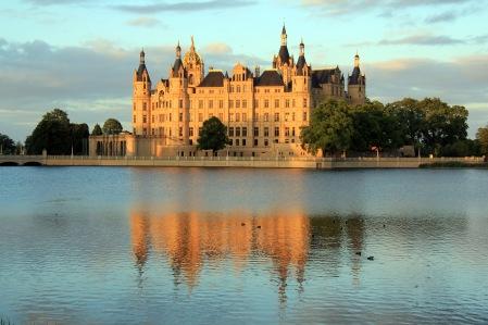 1406-04-074_Ostdeutschland_Schwerin_Schloss.JPG