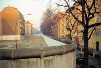 bouchestrase-harzer_strase_-_berliner_mauer_1989-11-18